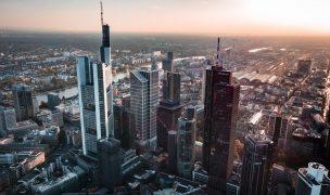 Handelsüberwachungsstelle der Frankfurter Wertpapierbörse und der Eurex Deutschland setzt auf Daten von StockPulse zur Social Media-Überwachung